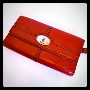 Fossil Maddox Red Pebble Leather Tri-fold Wallet